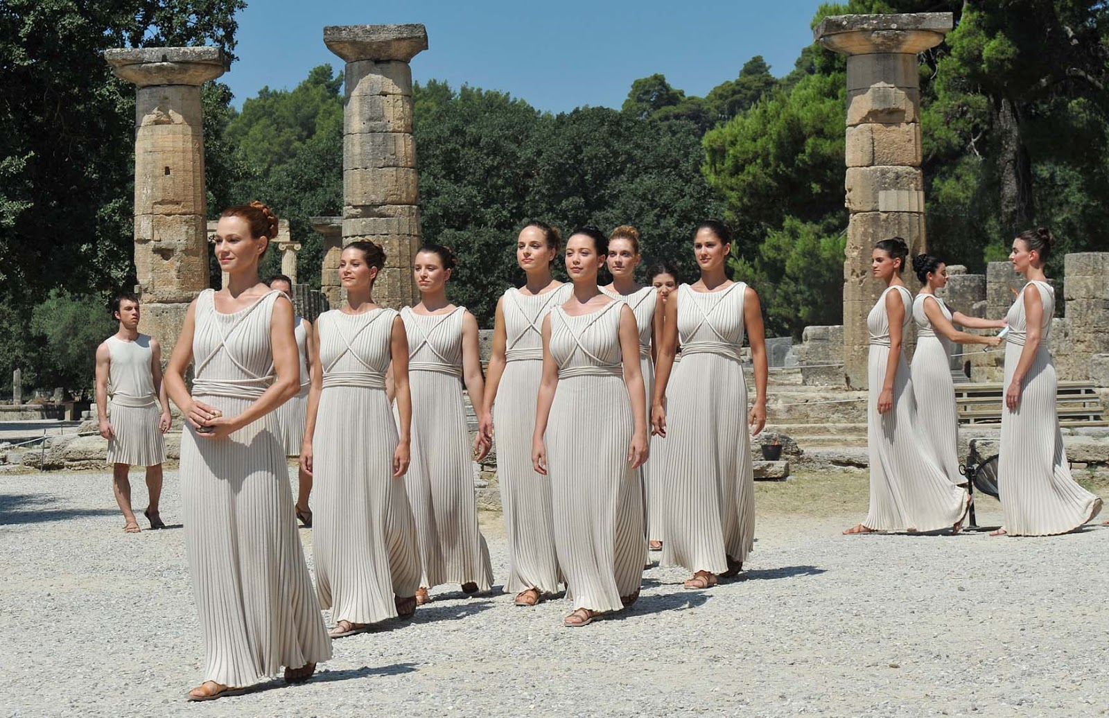 фото всех богинь древней греции отец был военным