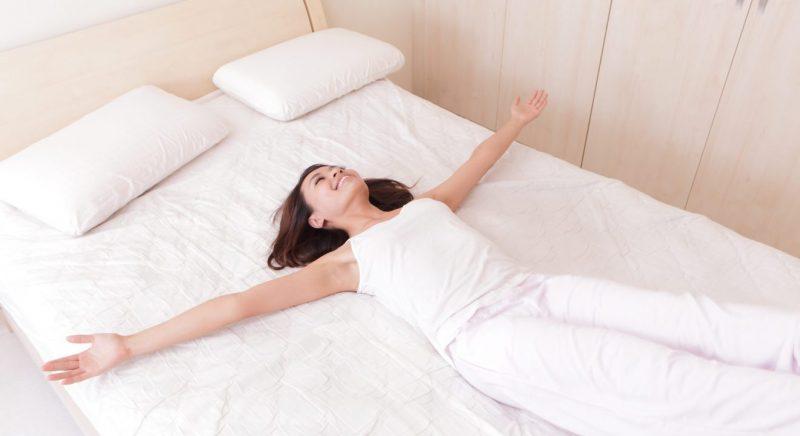 К чему снится много кроватей в комнате