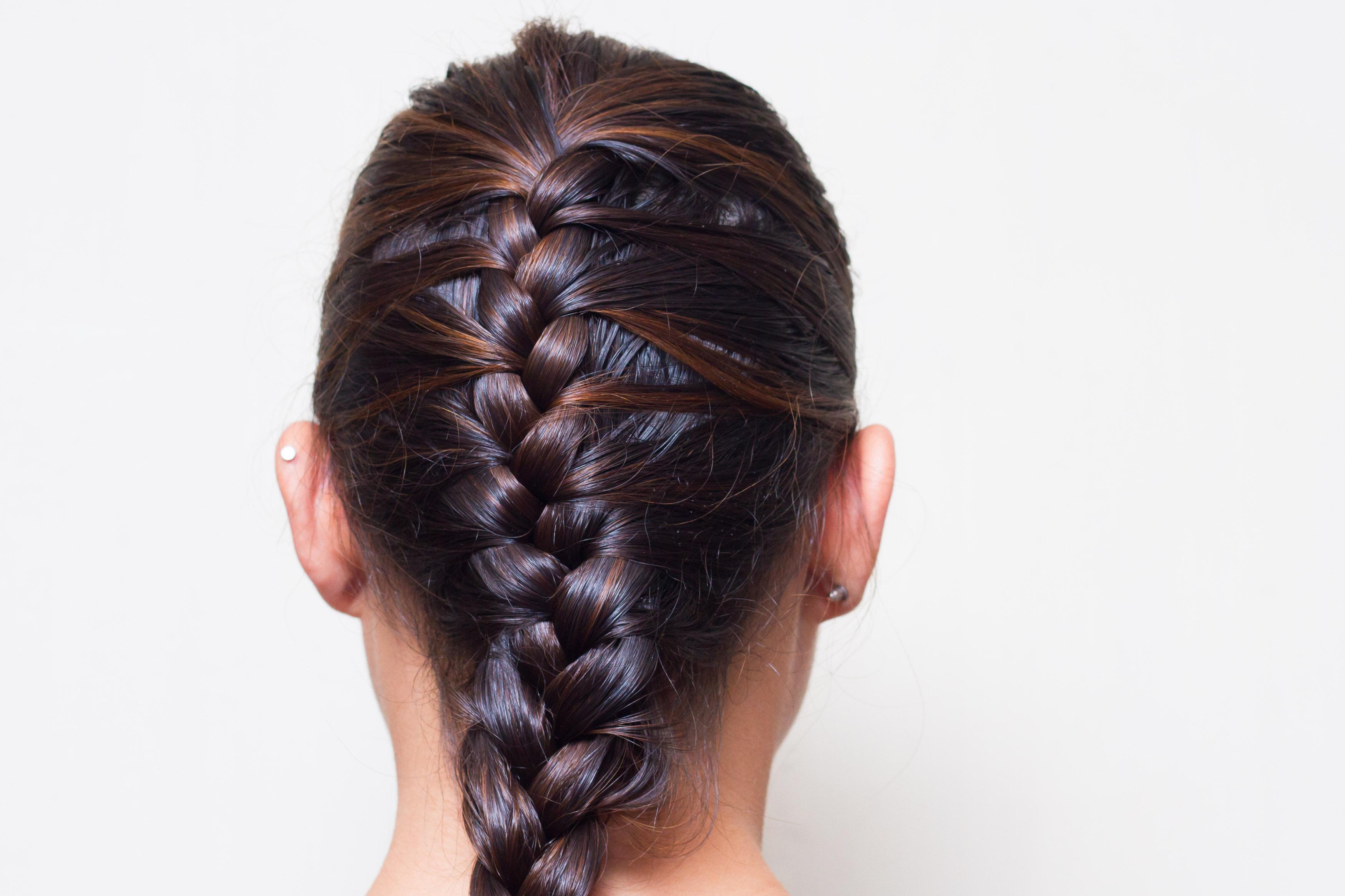 страже внутренняя коса в картинках линии прически грациозный