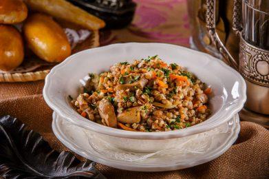 Гречка с мясом - 7 рецептов, как приготовить в мультиварке, в духовке и на сковороде
