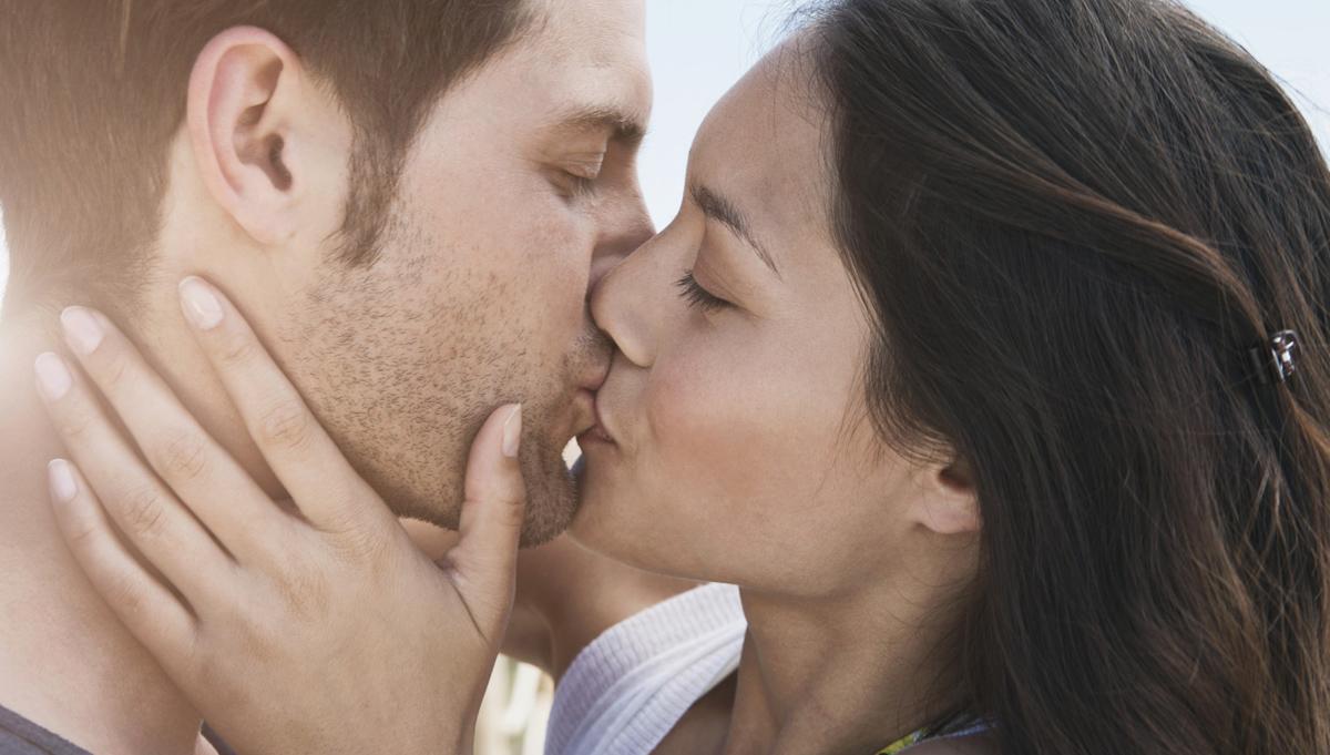 Что означает целоваться во сне с мужчиной в губы