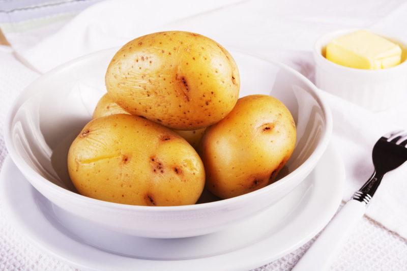 Картофель в микроволновке – 7 быстрых и простых рецептов приготовления вкусных блюд из картошки