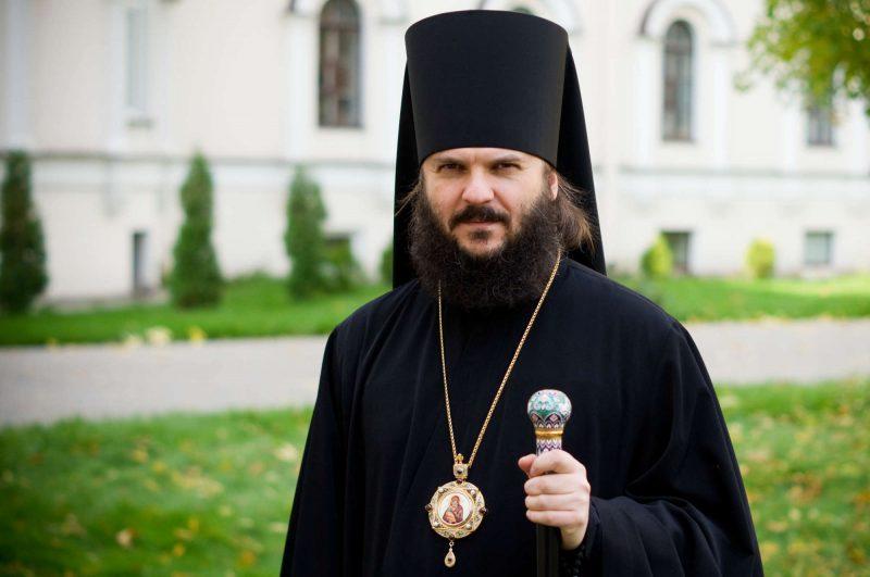 сонник батюшка священник в церкви