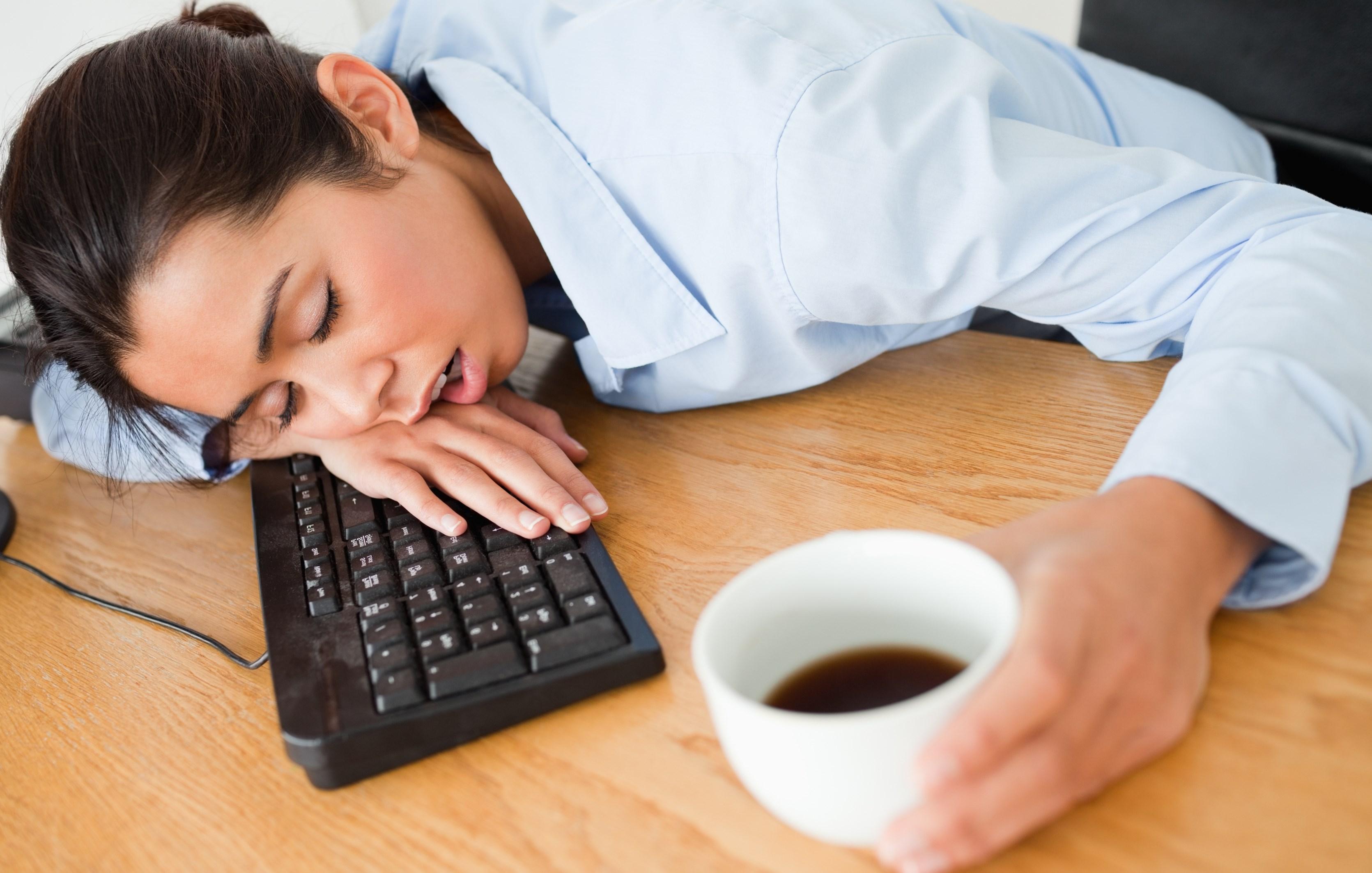 надрезать вдоль картинки сон на рабочем месте при поступлении
