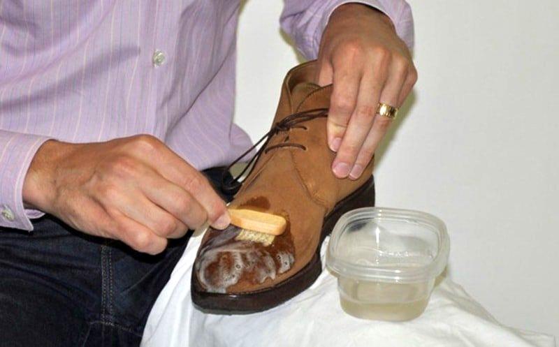 Чем вывести жирное пятно с нубуковой обуви фото