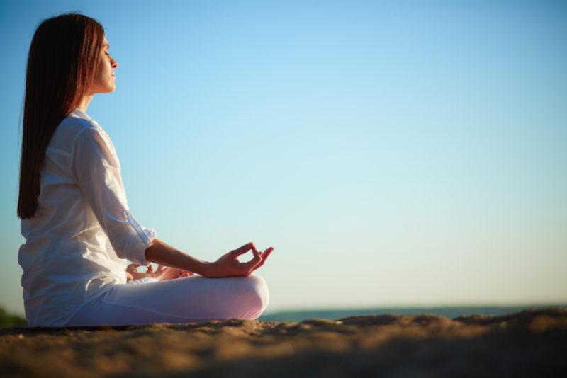 Бхакти-йога: что это, цели и суть практики служения и преданности богу