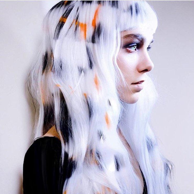 Волосы, как из волшебной сказки: трафаретное рисование