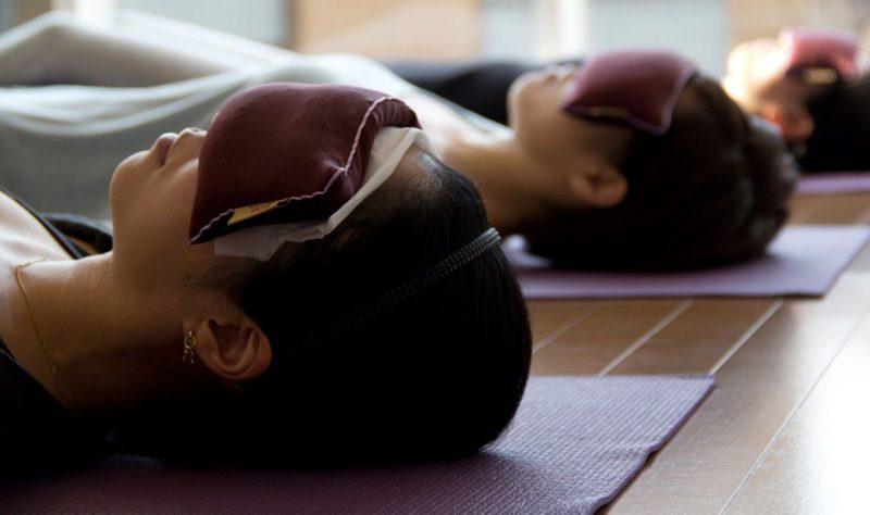 Йога-нидра − что это такое: описание практики йогического сна, базовый комплекс, видео