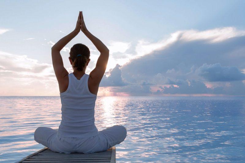 Кундалини-йога: что это такое, основные понятия, упражнения для начинающих, в чем польза и чем может быть опасна популярная практика