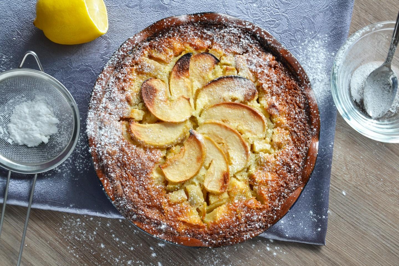 яблочный пирог на молоке с фото бурного дня