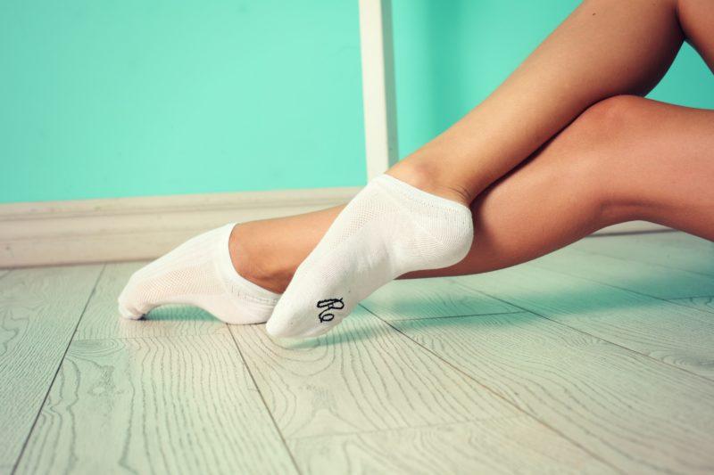 видео девушки в белых носочках поэтому многие, когда