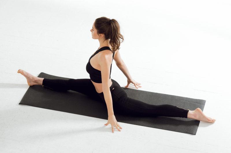 Упражнения для шпагата: самые эффективные упражнения для растяжки на продольный и поперечный шпагат в домашних условиях