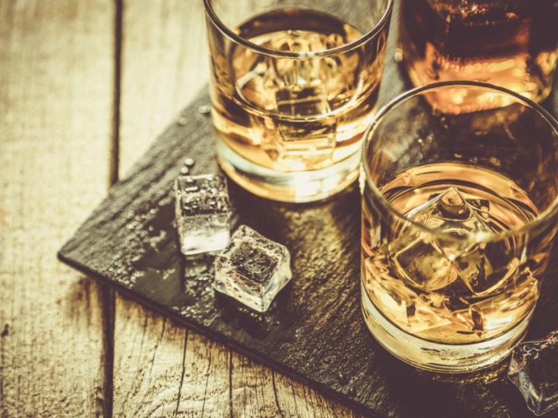 С чем пьют виски 🥃: чем закусывают и разбавляют крепкий алкогольный напиток