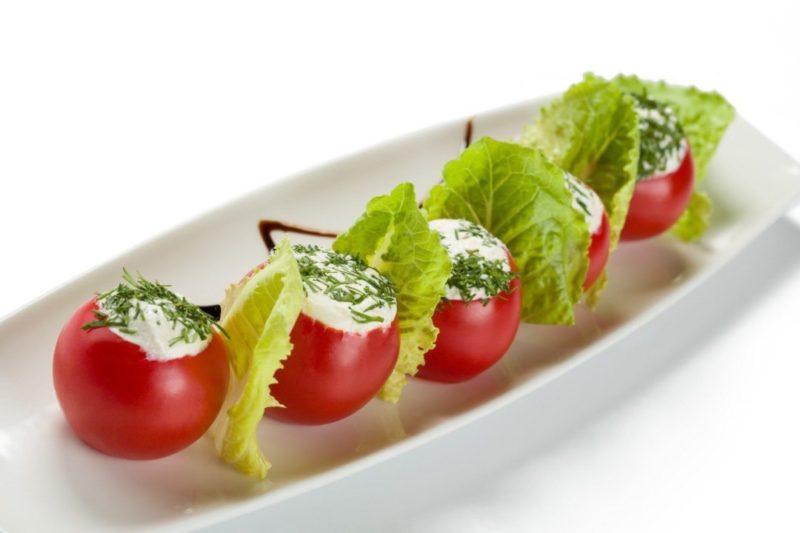 Фаршированные помидоры − 5 быстрых и простых рецептов