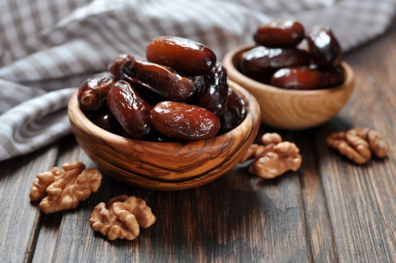 Сколько калорий в финиках, содержание витаминов и минералов, пищевая ценность, польза для организма