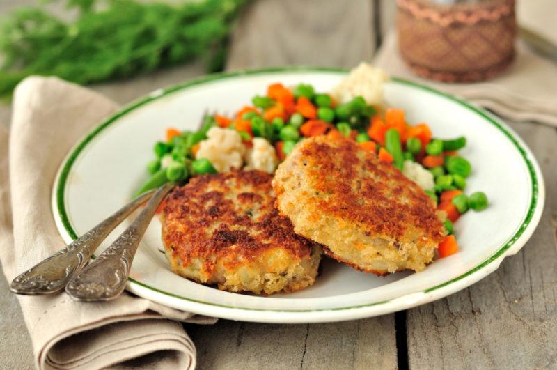 Котлеты с плавленным сыром - рецепт вкусного и сочного блюда из курицы