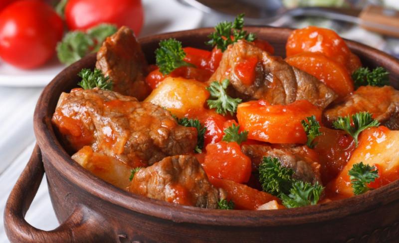 Как приготовить гуляш из свинины с подливкой – лучшие рецепты и секреты приготовления блюда