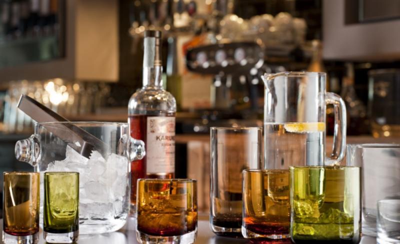 Чем закусывают виски 🥃 и как правильно его пить – алкогольный этикет