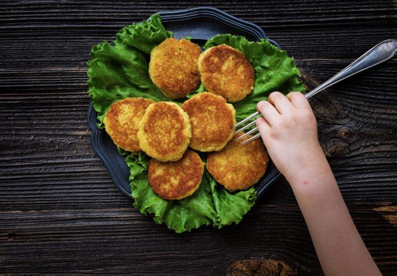 Котлеты с капустой и фаршем - 6 простых рецептов