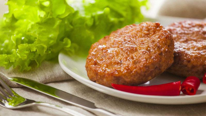 Котлеты из фарша − 8 рецептов вкусных и сочных мясных и рыбных блюд