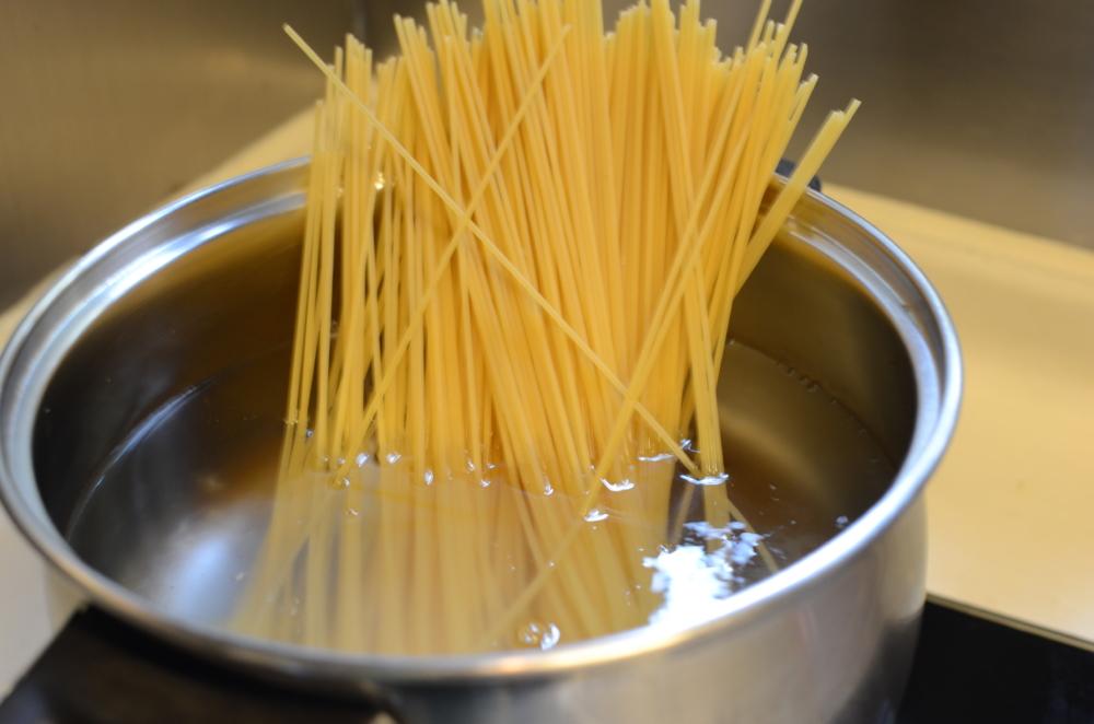Как варить макароны так чтоб они не слипались