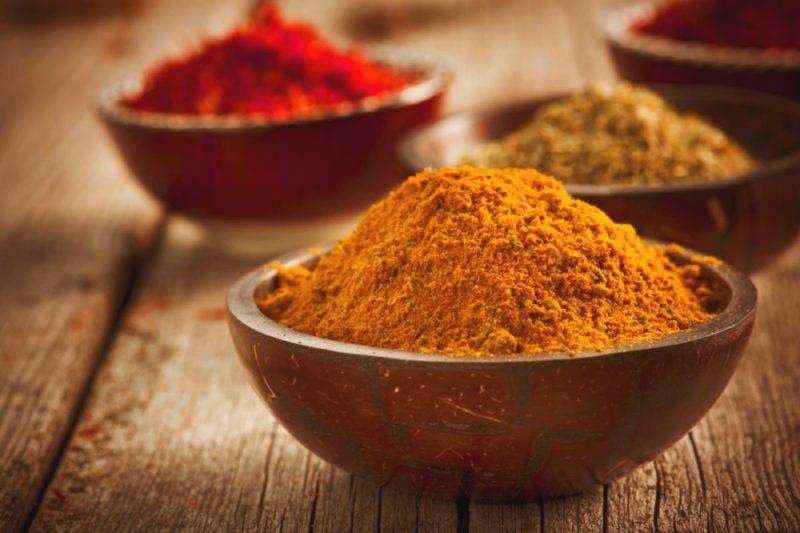 Приправа карри: состав, для каких блюд применяется, польза и вред, 2 рецепта со смесью пряностей
