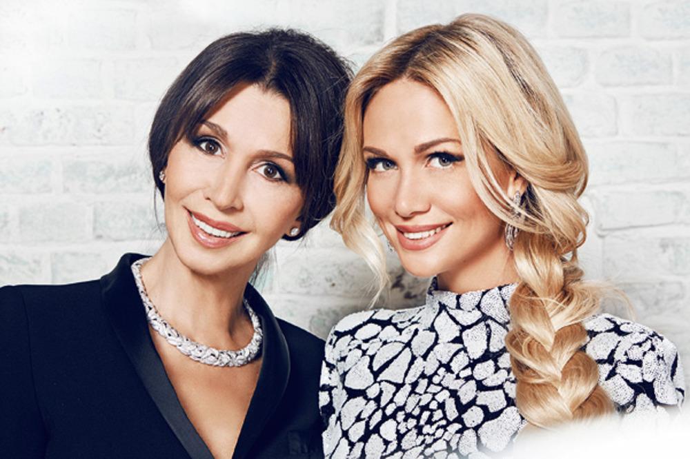 59-летняя мама Виктории Лопыревой выглядит в два раза моложе