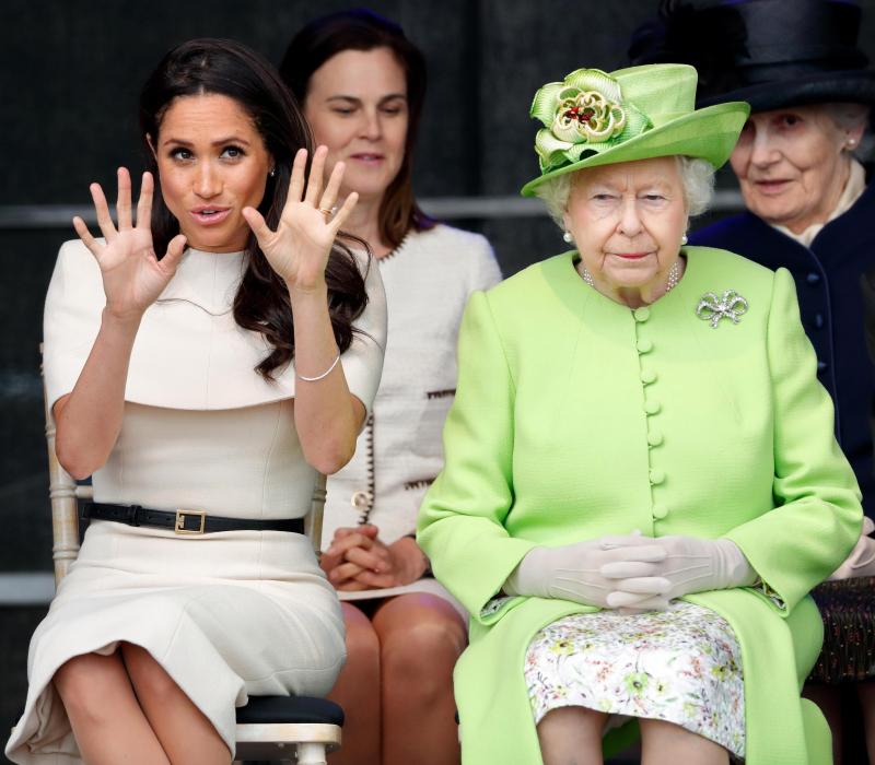 Королева Елизавета II взяла под контроль жизнь Меган Маркл