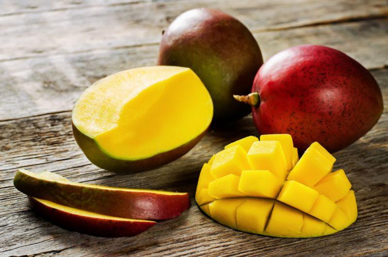 Сколько калорий в манго, содержание витаминов, БЖУ, полезные свойства экзотического фрукта для похудения
