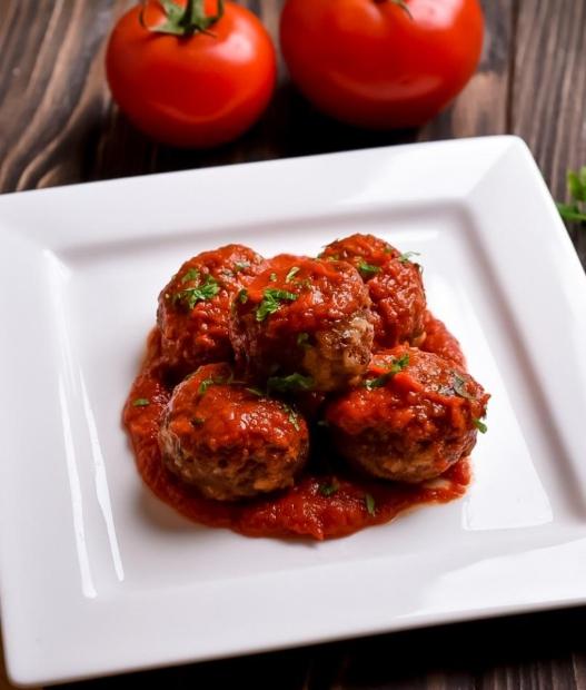 Гречаники с говядиной в томатно-сметанном соусе в духовке