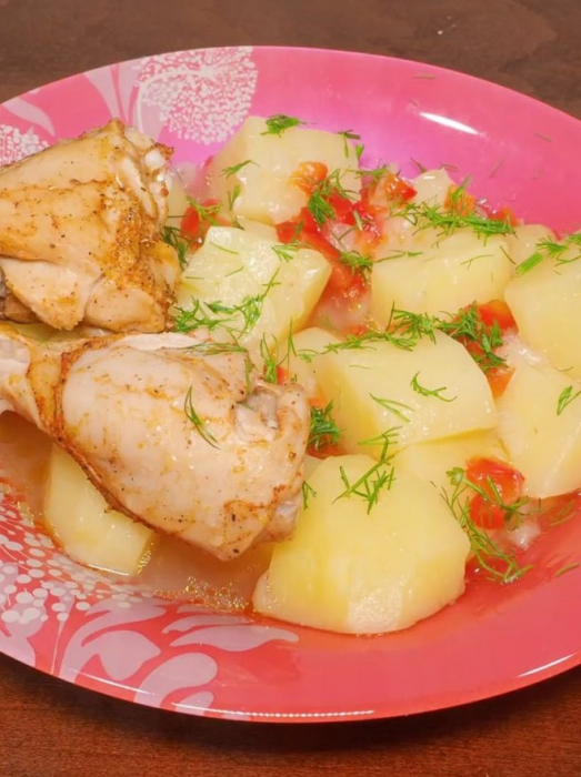 курица с картофелем и сладким перцем в мультиварке