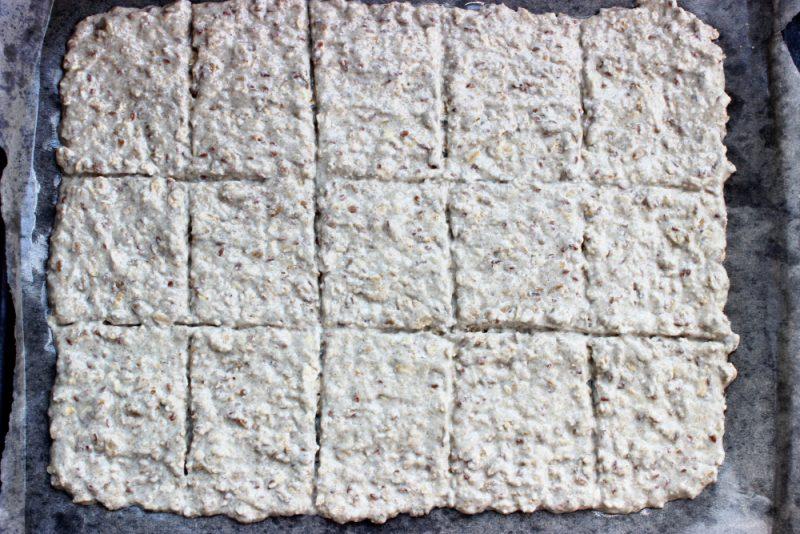Хлебцы из цельнозерновой муки без дрожжей