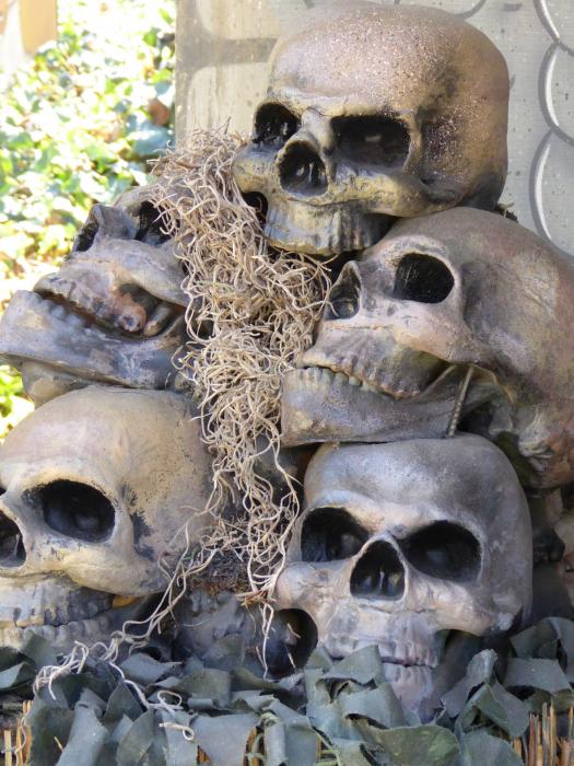 Гора черепов, трепанация черепа