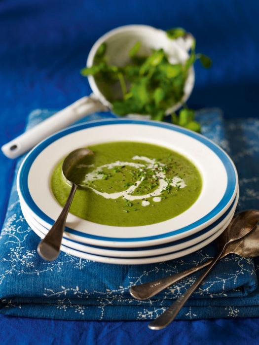 крем-суп из шпината со сливками и броколли