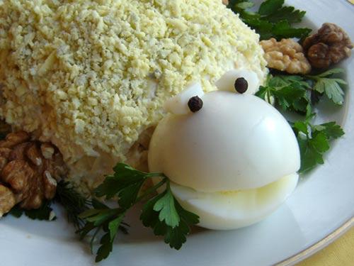 салат черепаха с курицей и яблоком