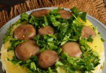 салат с шампиньонами и солеными огурцами