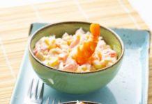 салат с кальмарами, креветками и крабовыми палочками